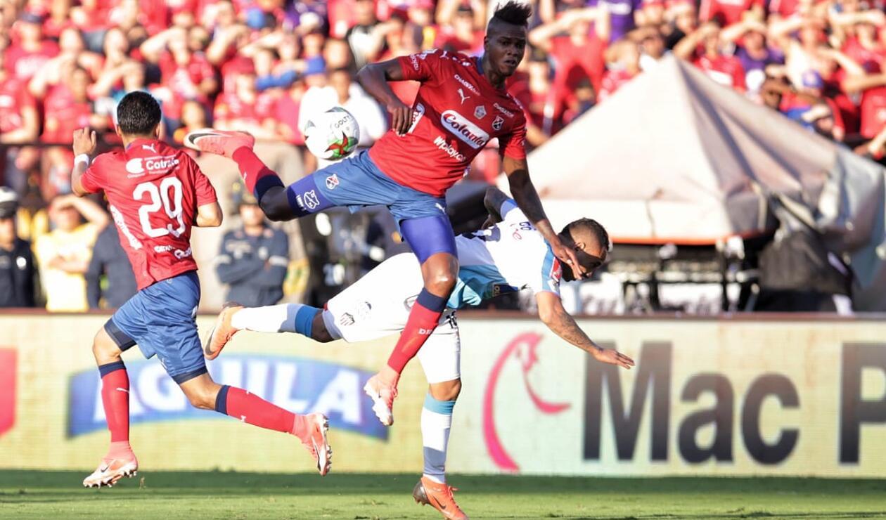 Junior intentó también y pudo marcar gol en sus peligrosos contragolpes ante el Medellín