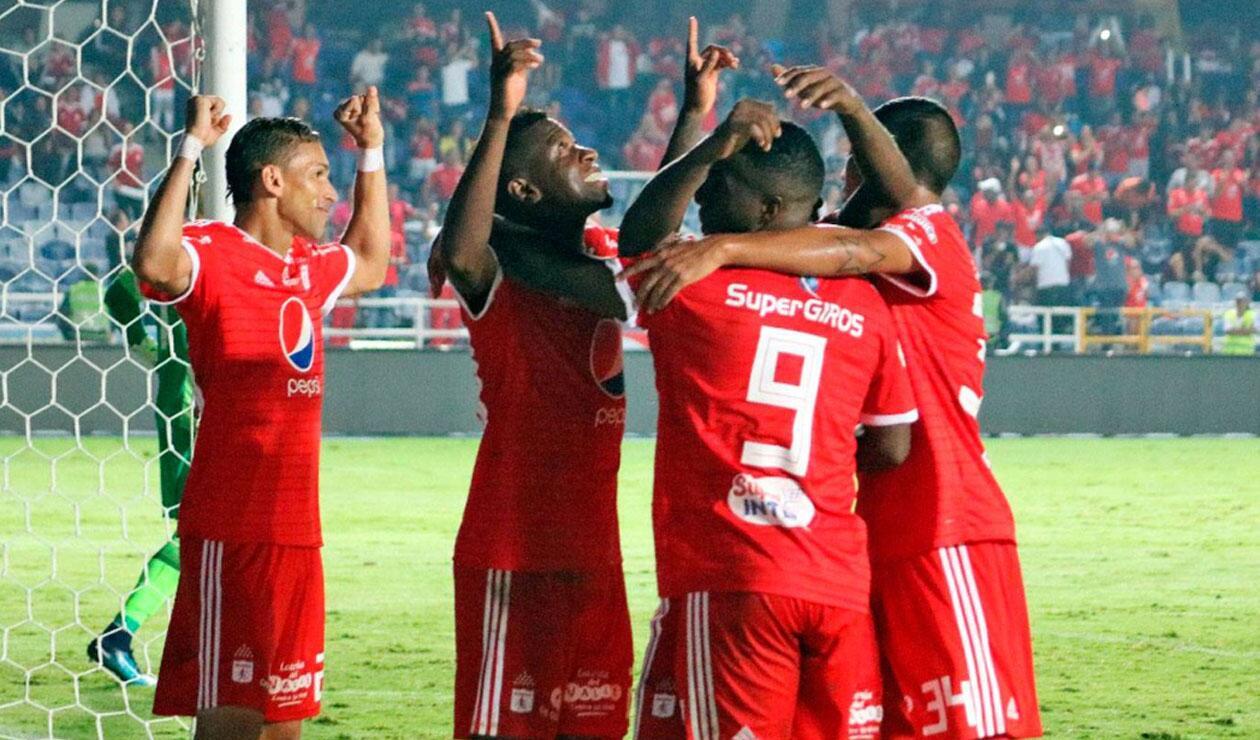América de Cali, jugadores celebrando un gol