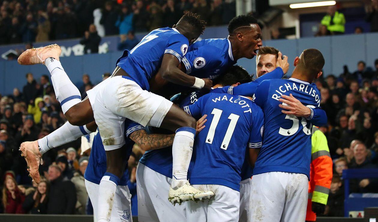 Yerry Mina acumula siete partidos en línea como titular con el Everton