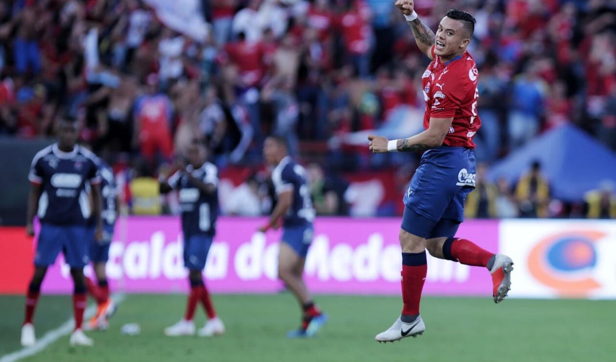 Leonardo Castro festejando el gol ante Junior en el Atanasio Girardot