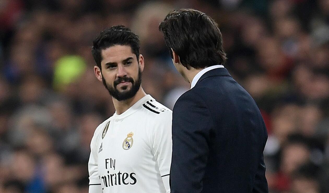 Isco y Santiago Solari en uno de los últimos partidos del Real Madrid