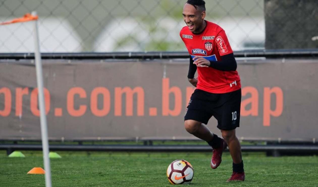 Junior de Barranquilla entrenando en Brasil