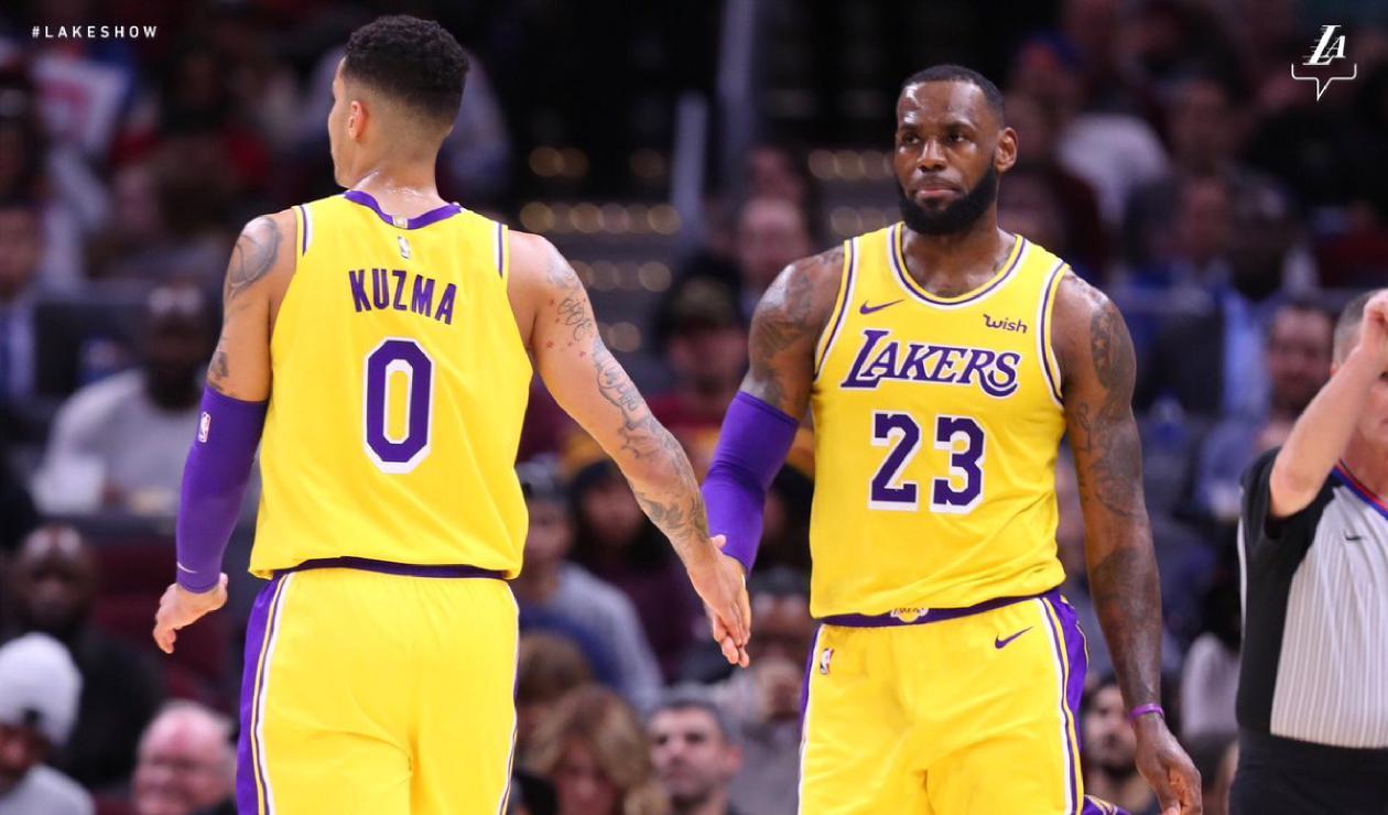 Kyle Kuzma y LeBron James