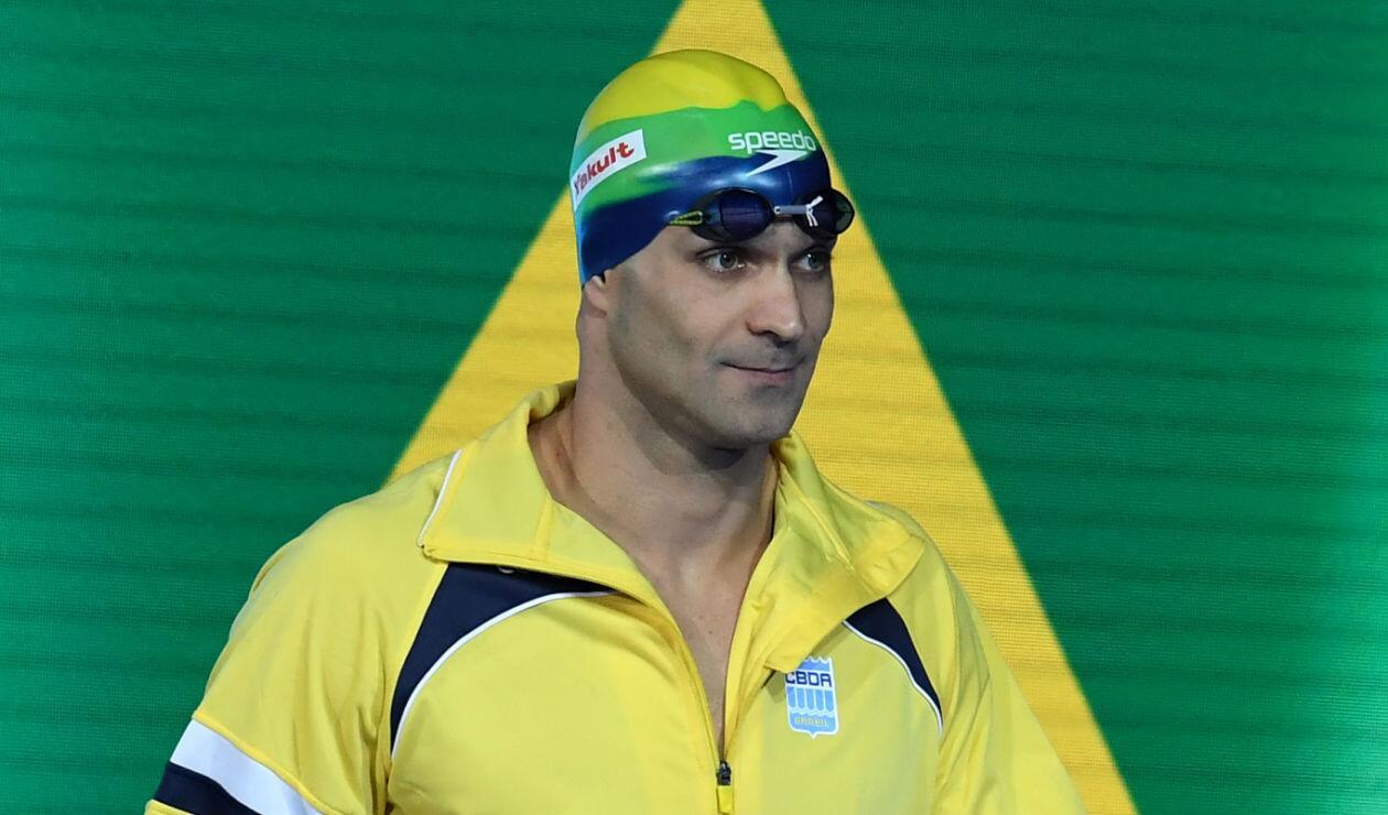 Nicholas Santos se llevó el oro en los 50 mariposa de los Mundiales de piscina Hangzhou