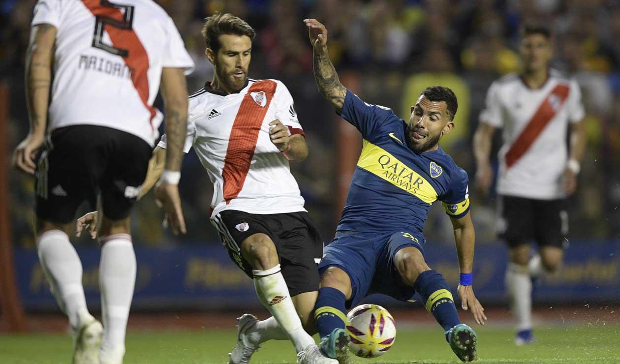 Leonardo Ponzio y Carlos Tévez en el Superclásico River vs Boca