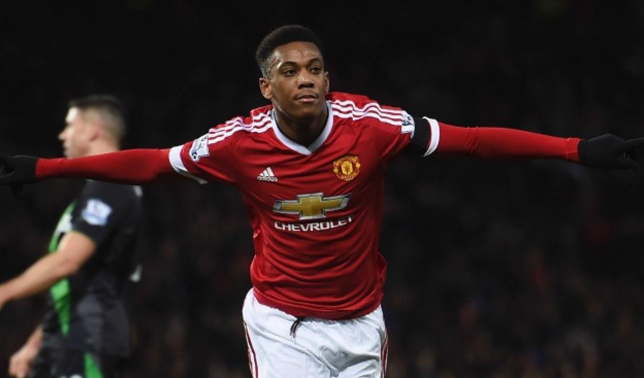 Martial renueva con el Manchester United hasta 2024