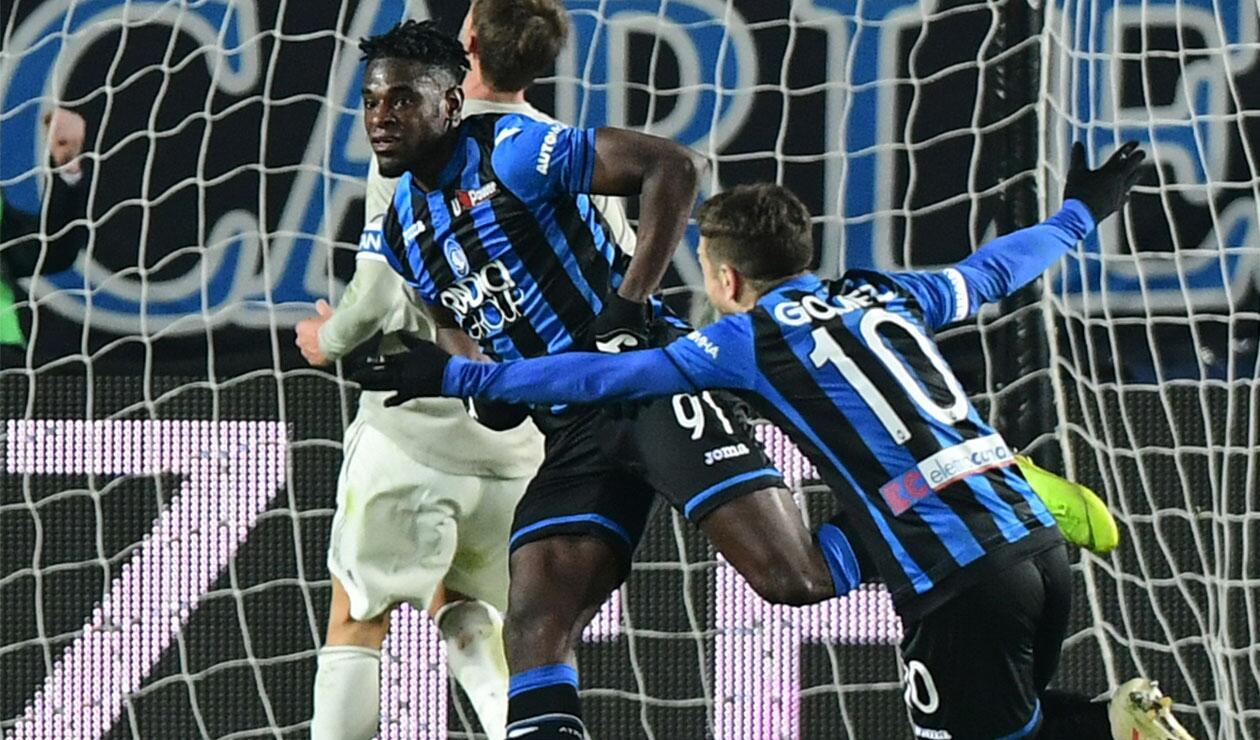 Duván Zapata celebrando el tercer gol ante la Juventus
