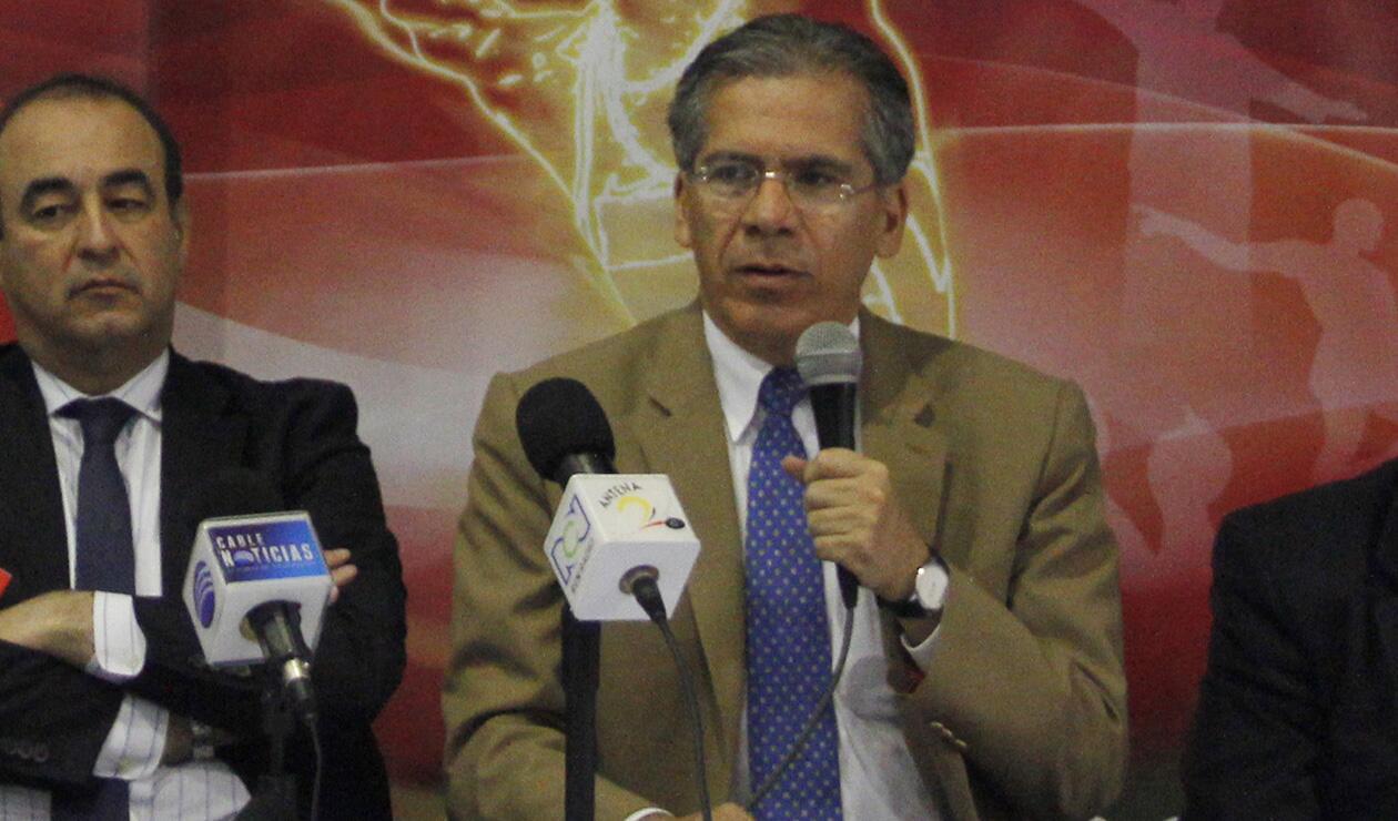 el presidente de la Federación Colombiana de Atletismo, Ramiro Varela Marmolejo,