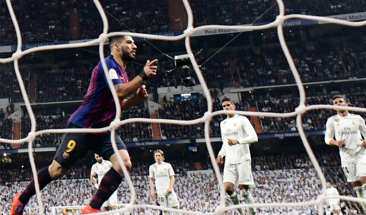 Luis Suárez celebra el tercer gol para la victoria del Barcelona ante Real Madrid en la Copa del Rey.