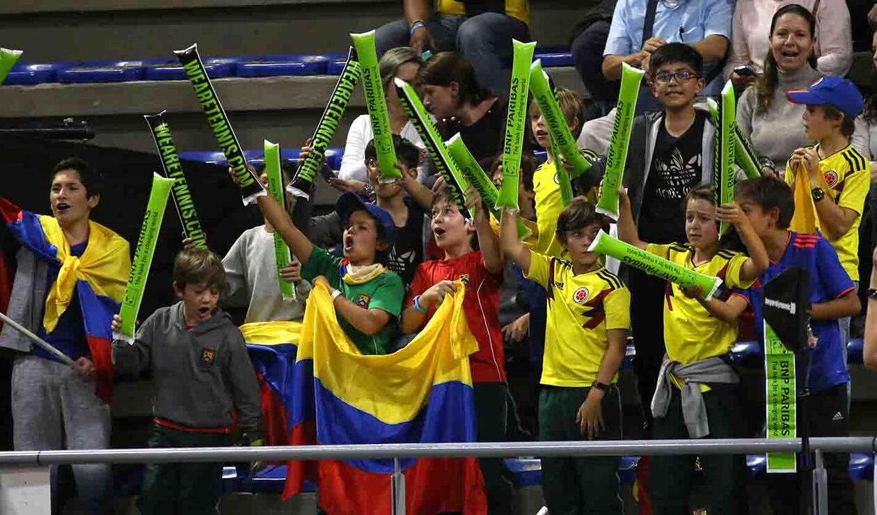 Aficionados de Colombia apoyan a Santiago Giraldo en el partido ante  Elias Ymer (Suecia)