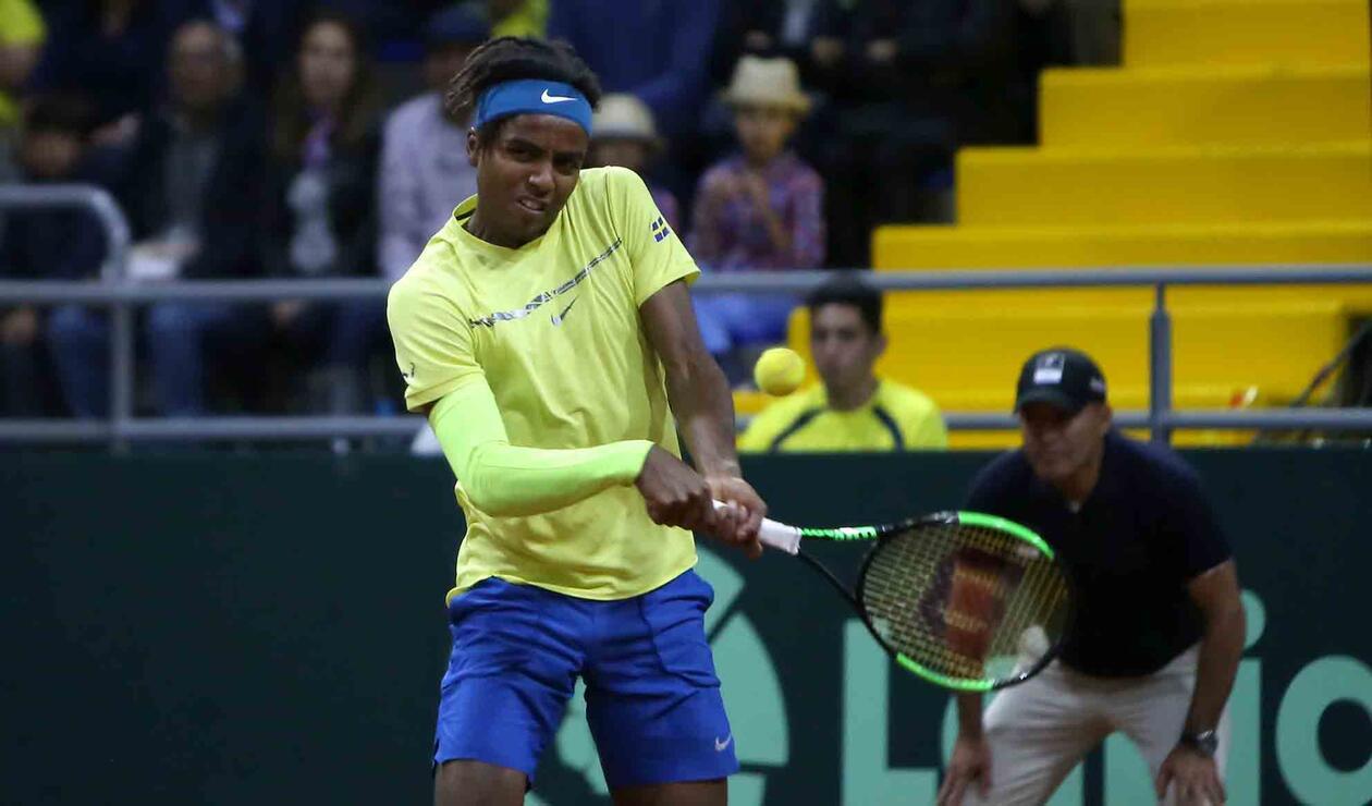 Elias Ymer (Suecia) cayó en dos sets ante Santiago Giraldo en la Copa Davis