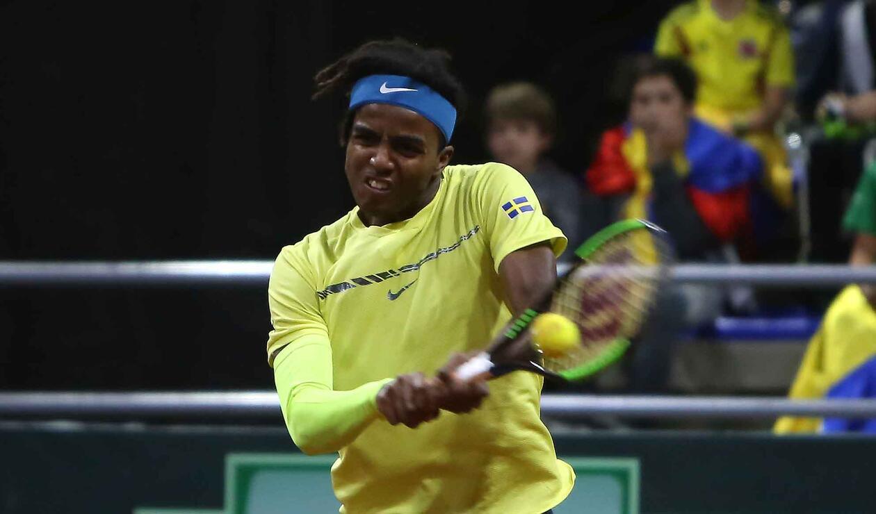 Elias Ymer (Suecia) ante Santiago Giraldo en la Copa Davis