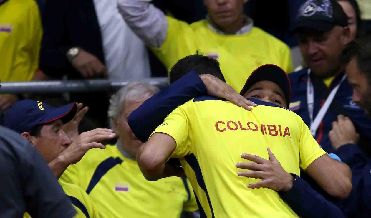 Colombia celebra el punto que le dio Santiago Giraldo ante Suecia