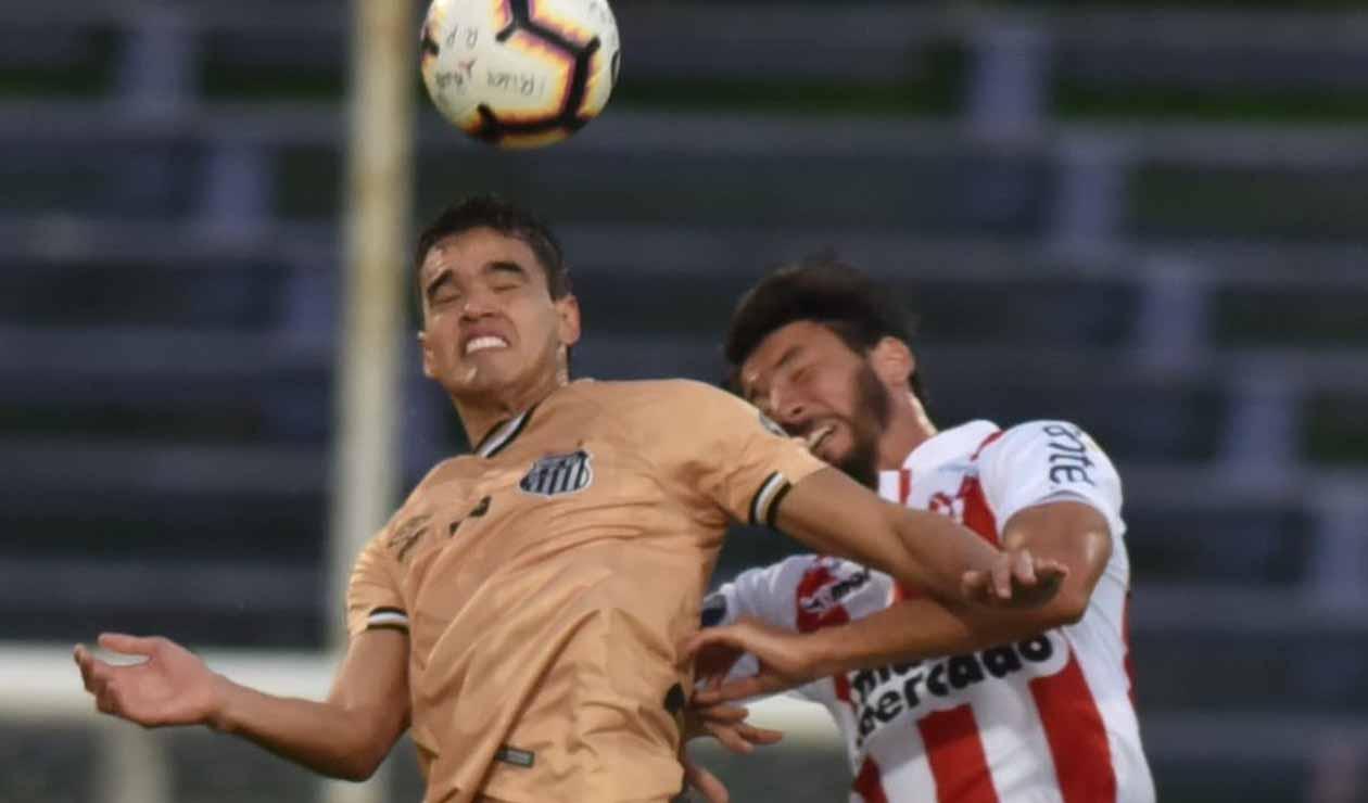 Felipe Aguilar, jugador del Santos