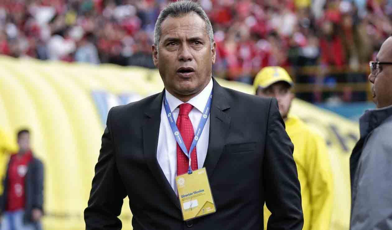 Hernán Torres, técnico colombiano