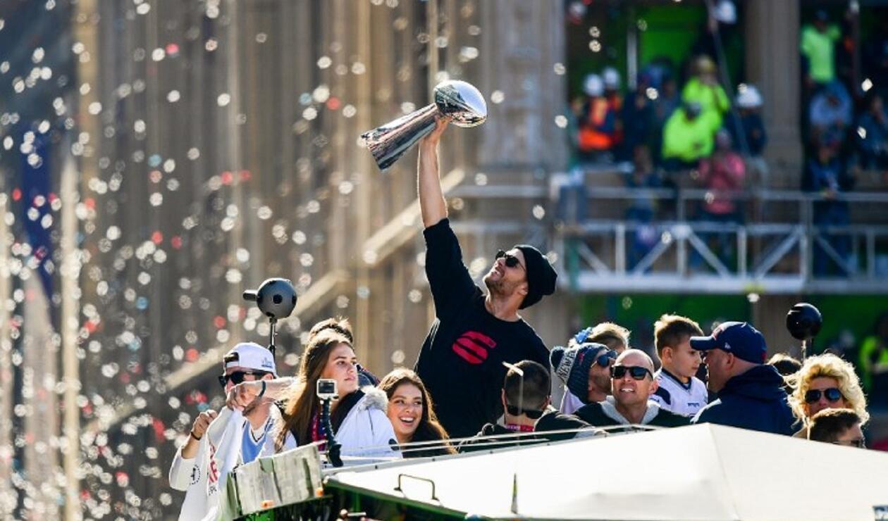 Tom Brady, el legendario mariscal de campo de los Patriots de Nueva Inglaterra es el único jugador de la NFL en ganar seis títulos de Super Bow