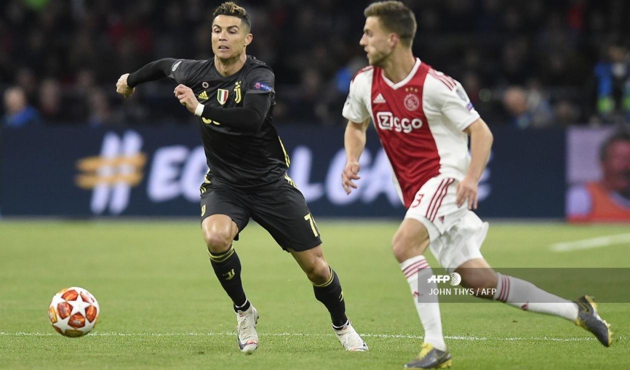 Juventus de Turín en su visita al Ajax en la Champions League.