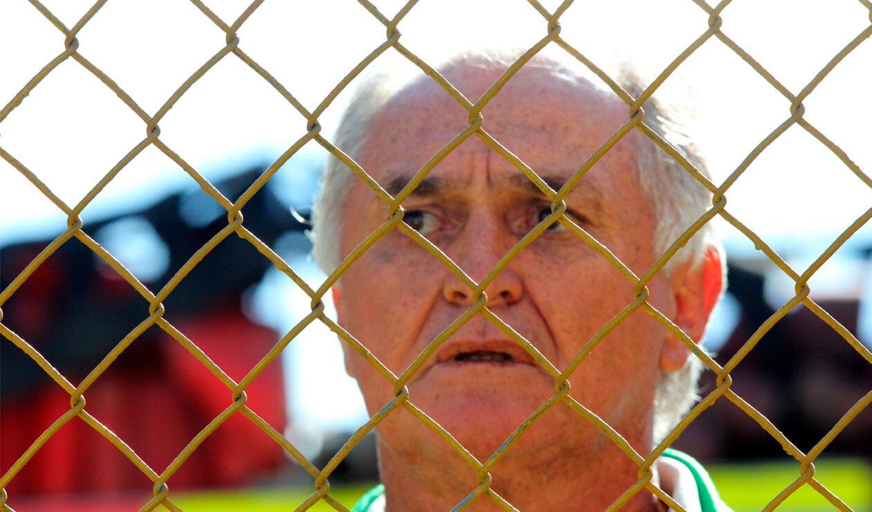 El 'Pecoso' Castro en uno de sus útimos partidos como técnico del América