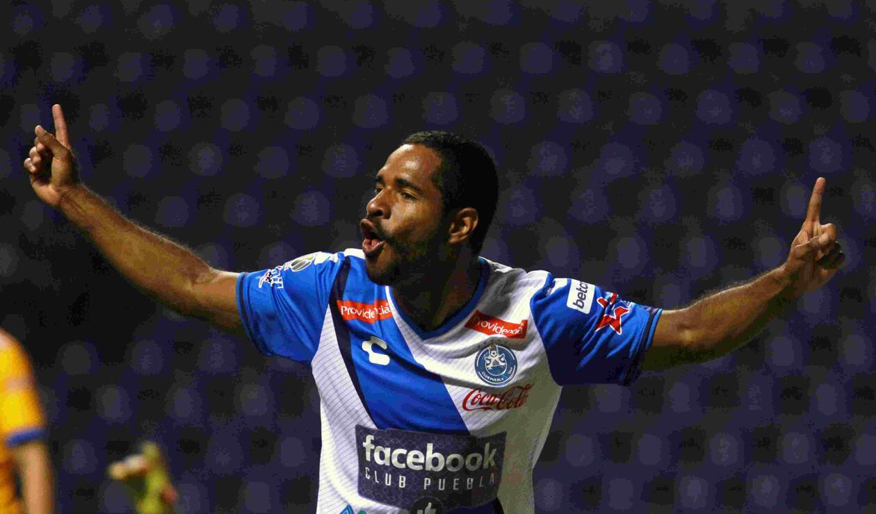 Brayan Angulo, futbolista colombiano en el Puebla de México