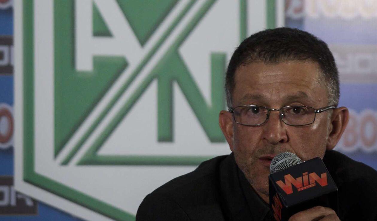 Juan Carlos Osorio como técnico de Atlético Nacional en 2013.