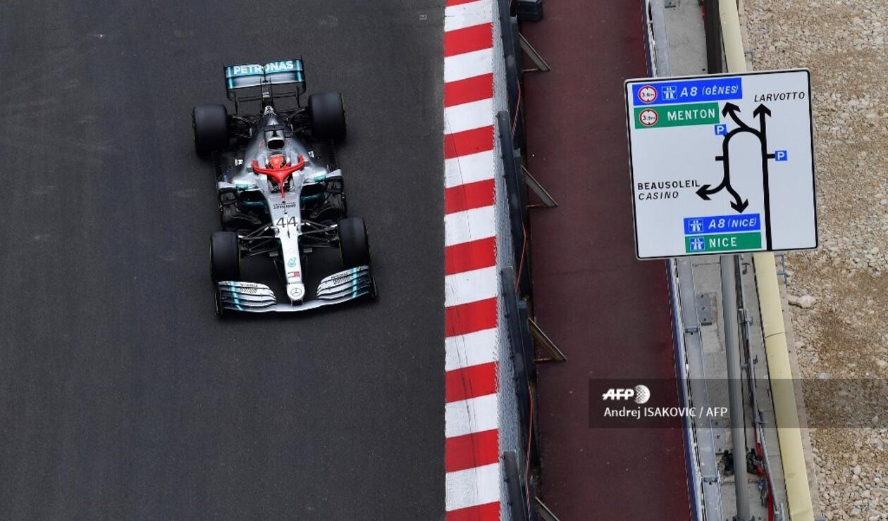 Lewis Hamilton en una de las vueltas del Gran Premio de Mónaco de Fórmula 1