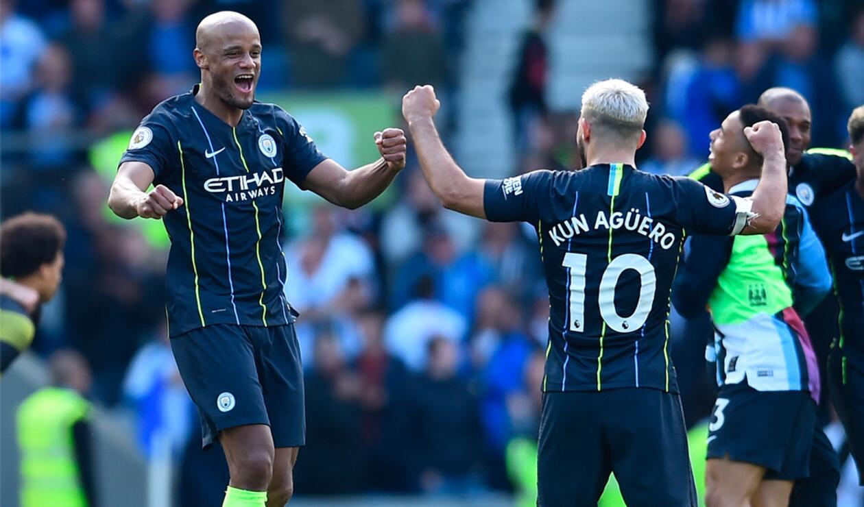 Manchester City celbró el doblete en la Premier League