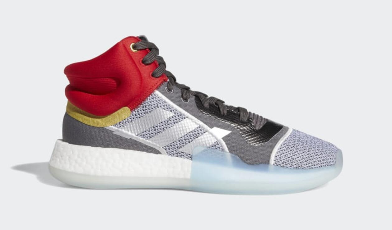 Zapatillas con el diseño de Thor de Adidas