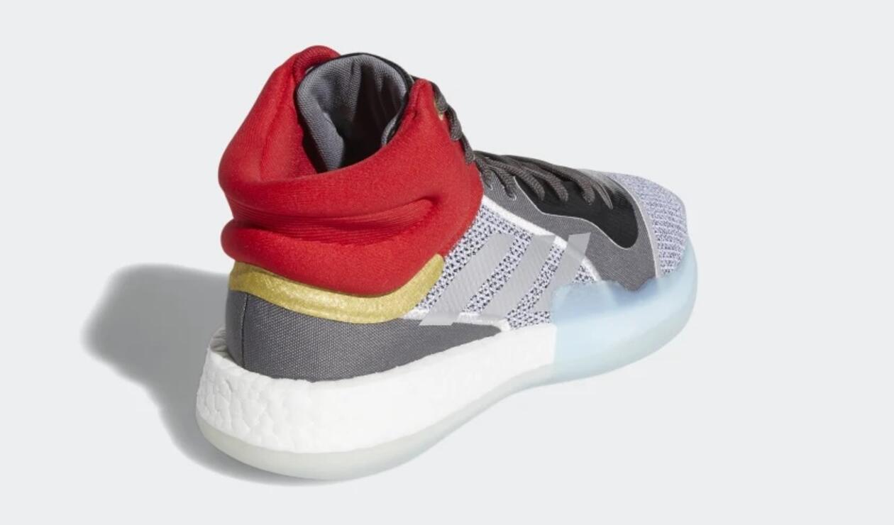 Tenis con el diseño de Thor de Adidas