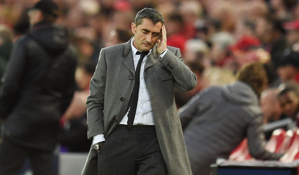 Ernesto Valverde sufriendo la derrota 4-0 del Barcelona ante Liverpool