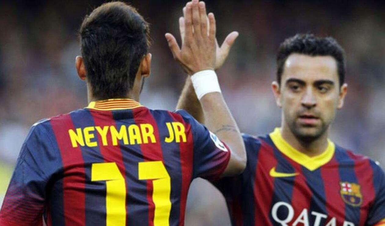 Neymar y Xavi Hernández en el Barcelona