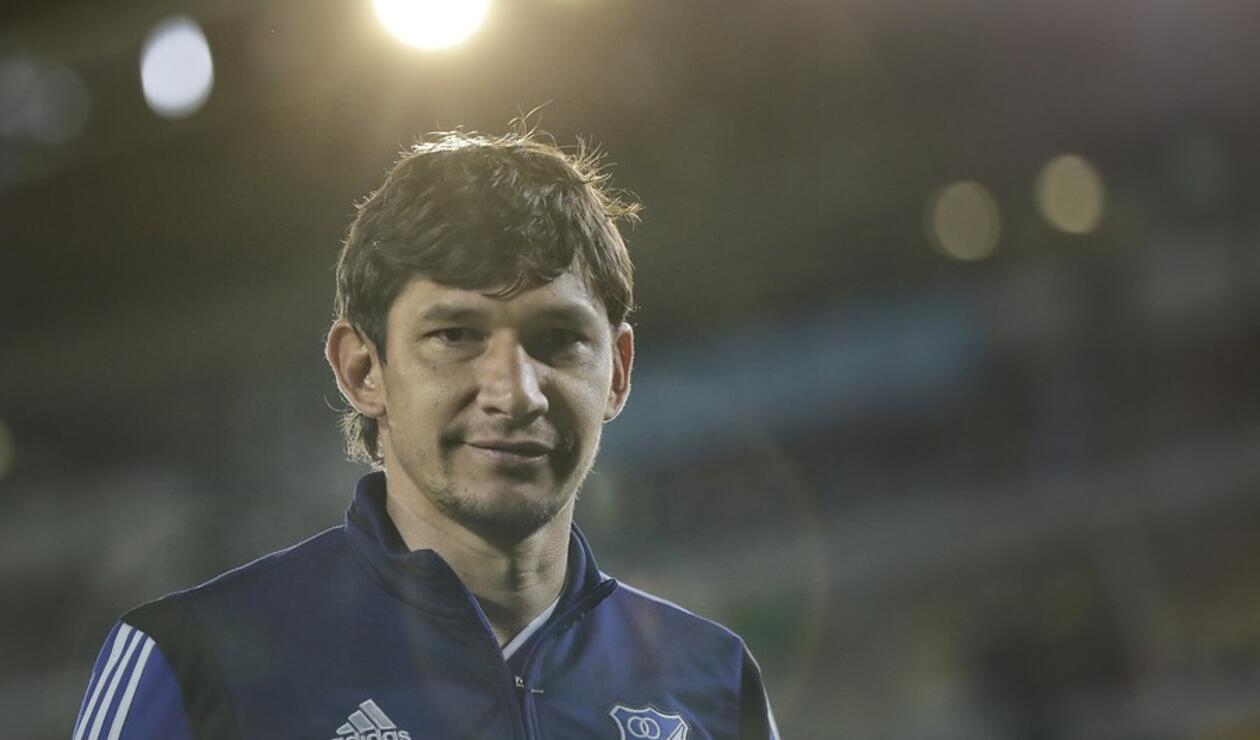 Roberto Ovelar no seguirá como delantero de Millonarios.