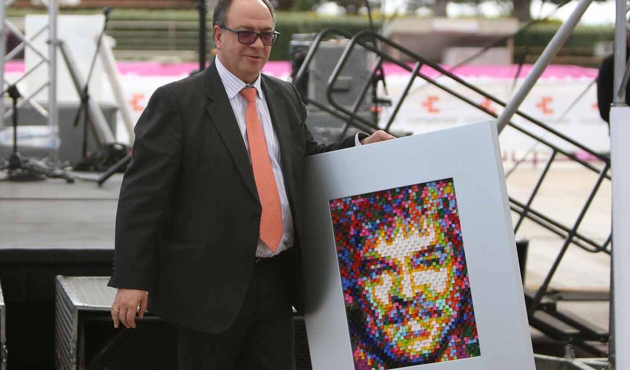 José Antonio Succar Lega, vicepresidente de operaciones de RCN Radio, recibió el galardón por parte de la organización de las olimpiadas Fides.