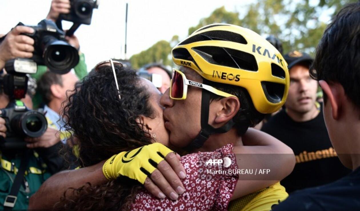 Egan Bernal se coronó como el campeón más joven del Tour de Francia.