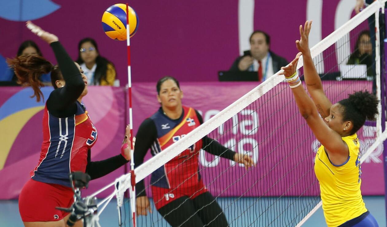 El partido entre Colombia y República Dominicana en el voleibol femenino tuvo mucha emotividad.