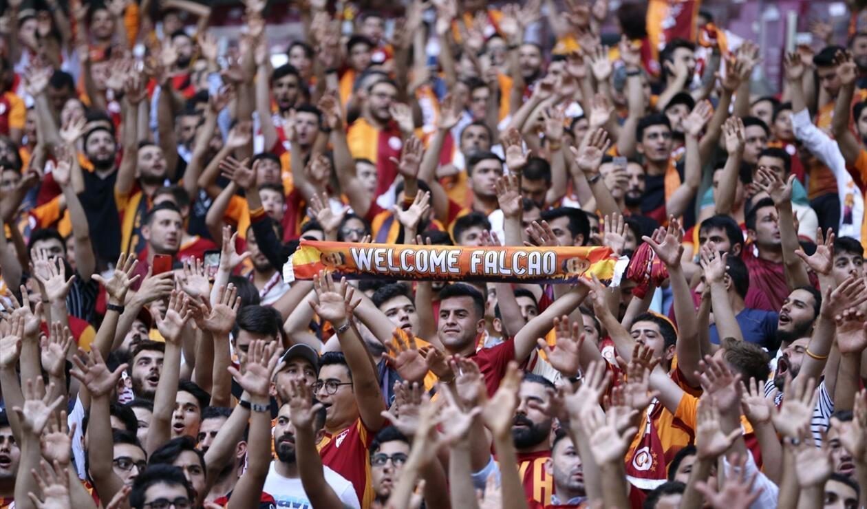 Falcao, Galatasaray, Presentación