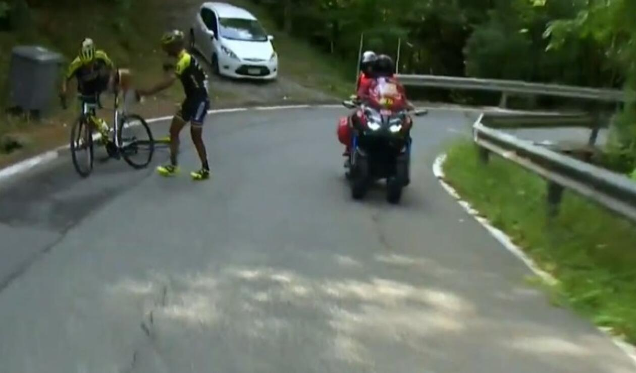 Incidente de Esteban Chaves en la Vuelta a España