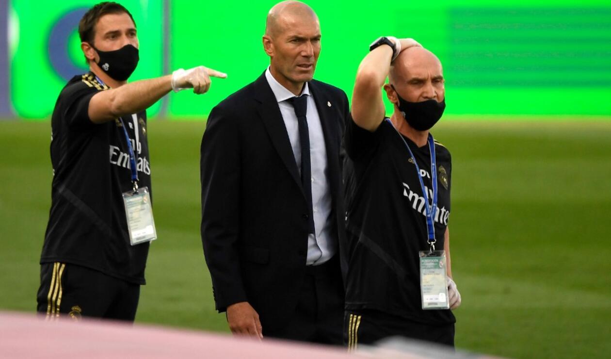 Real Madrid vs Eibar - Zinedine Zidane