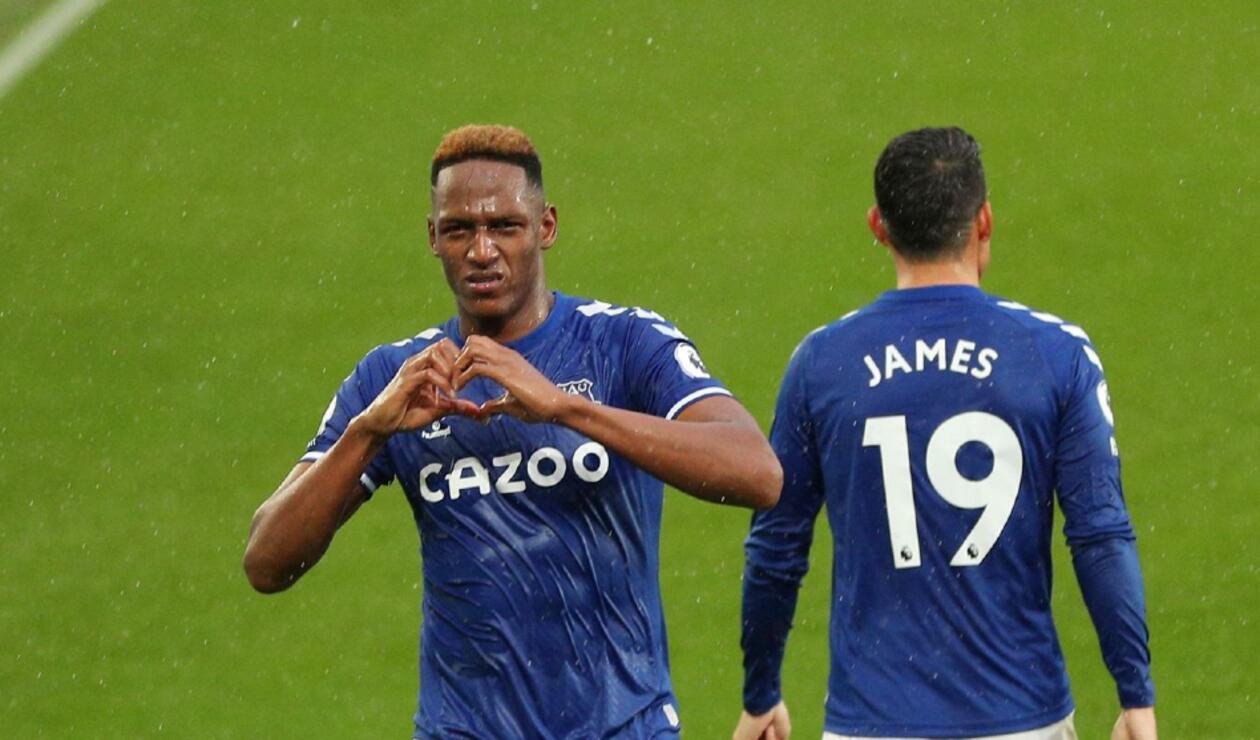 Yerry Mina y James en Everton