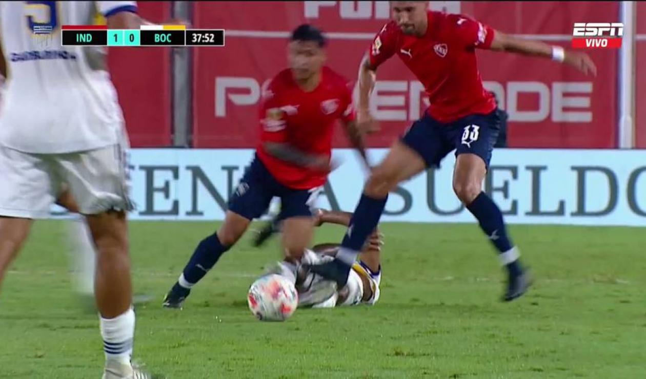 Agresión contra Sebastián Villa - Independiente vs Boca