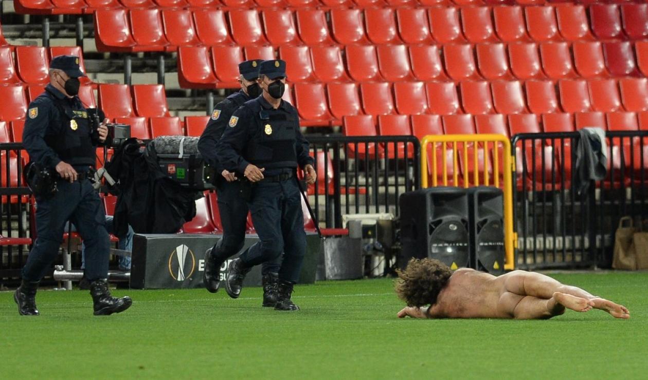 Intruso en Granada vs Manchester