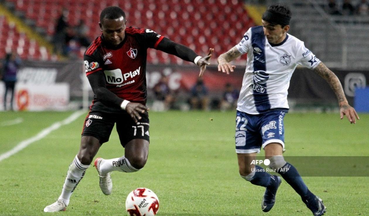 Omar Fernández, futbolista colombiano en Puebla