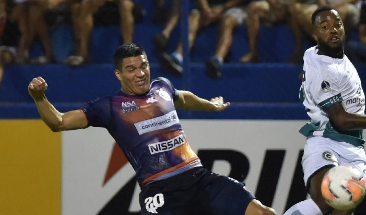 Iván Villalba, defensor paraguayo