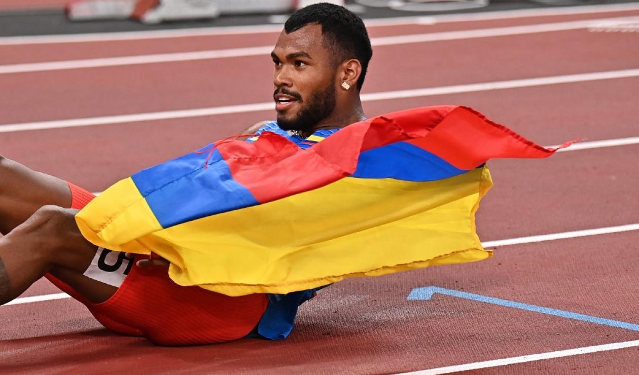 Anthony Zambrano ganó la medalla de plata en la final de los 400 metros