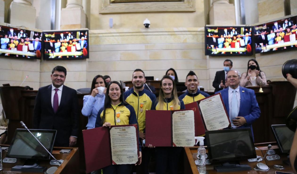 Medallistas olímpicos condecorados