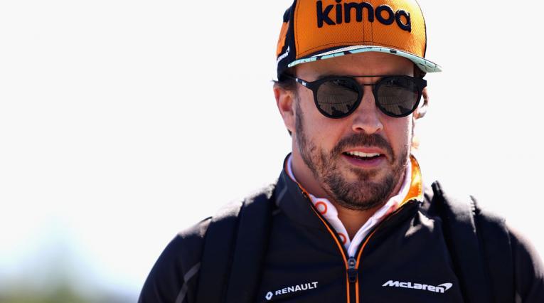 Fernando Alonso, piloto de McLaren quien abandonó la carrera por fallas eléctricas en su vehículo