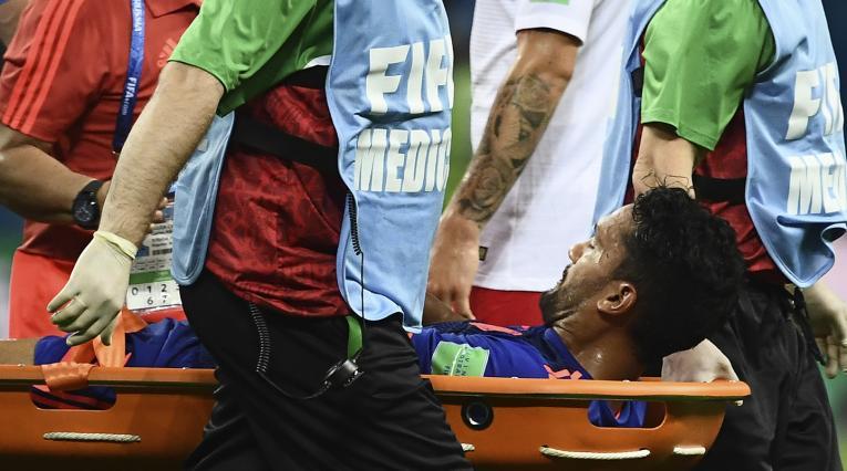 El volante colombiano se fue lesionado ante Polonia
