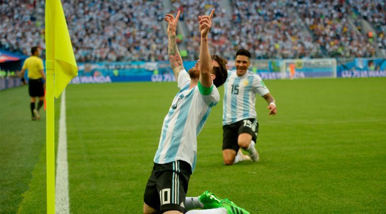 Lionel Messi celebrando el gol de Argentina frente a Nigeria