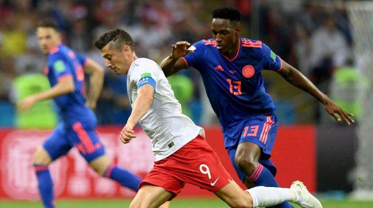 Lewandowski ante Yerry Mina