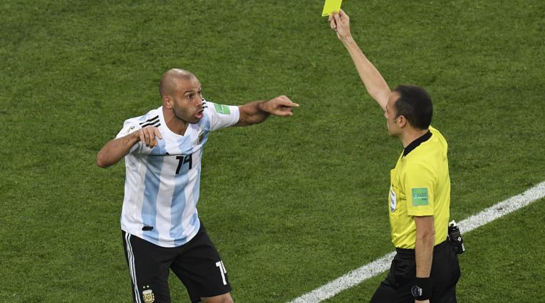 Javier Mascherano provocó la pena máxima en el empate de Argentina-Nigeria