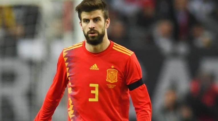 Piqué cumple 100 partidos con la Selección de España